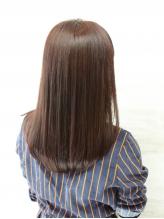 天然由来成分92%の《ヴィラロドラ》でグレイカラーのイメージが変わる!繰り返しても艶やかな髪に♪