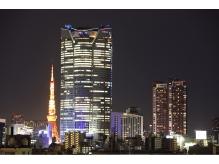 夜は、六本木ヒルズと東京タワーが見えますよ!