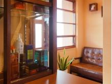 待合室も柔らかい光が差し込んで明るい雰囲気がGOOD◎