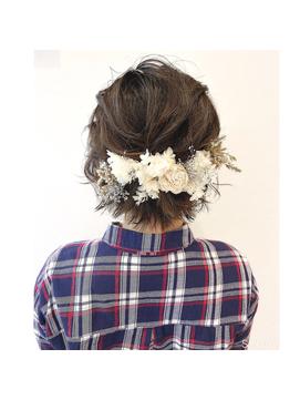 ショートヘアでもできます◎お花が可愛いゆるふわハーフアップ
