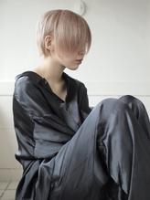 耳かけ前下がりショートボブにホワイトカラー☆ .16