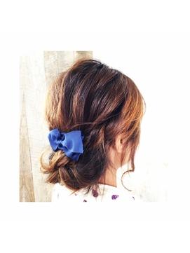 肩くらいからロングスタイルのヘアアレンジ