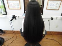 髪が多くて硬いクセ毛2年前に矯正してひさびさにサラサラヘアー