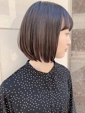 透け感のあるミディアムショートボブ【福岡大名Kchiara瀧本】