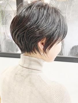 【-5歳ヘア】束感くびれショート×黒髪でも大人かわいい
