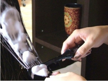 濃縮トリートメントを電動コームを使用し髪に栄養補給★