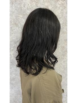 【SUGAR-B】黒髪ミディアムパーマスタイル
