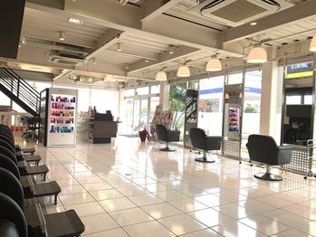 ヘアーヴィーヴル 松茂店(Hair BIVRE)(徳島県板野郡松茂町/美容室)