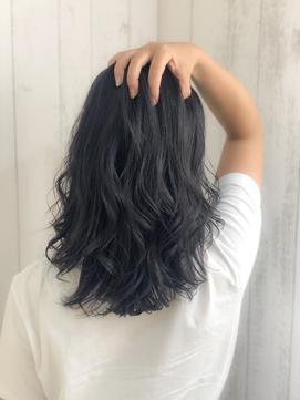 ネイビーカラーで美髮に見せるスタイル[吉祥寺 美容室]