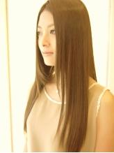 究極のツヤと手触り!あなたのクセ毛や髪のお悩みに合わせて豊富な種類のストレートメニューで解決。