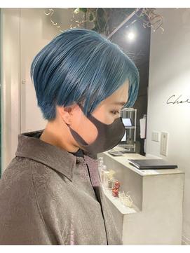 ショート×ブルーヘア◎
