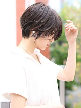 大人かわいい 前髪なし 耳掛けショート ショートヘア