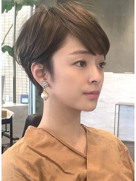 レイヤーショート/30代・40代/大人ヘアスタイル/田丸麻紀