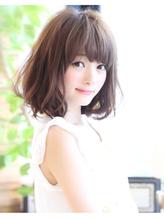 ミディアムボブのゆるめカールでふんわりカワイイ女子に☆.36