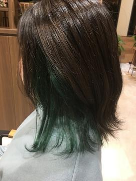 エメラルドグリーンカラー
