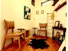 「マンツーマンで最後までしっかりと。」カフェのようなオシャレ空間でじっくりゆったりキレイになれる。