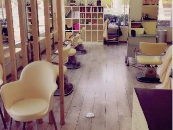 ハーフバックス 多摩境店(HAIR STUDIO HALF BACKS×1/2)