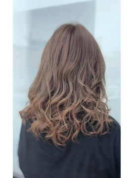 ゆるふわ波ウェーブ×美髪3Dカラーミルクティー