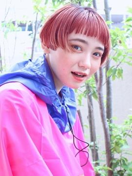 ピンクオレンジ心躍る春夏カラー。