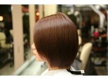 『髪を傷ませるなんて、嫌なんです…』電子のトリートメント。