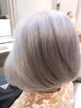 【DELIGHT】白髪を生かしたグレイヘア☆ふんわり上品なボブ