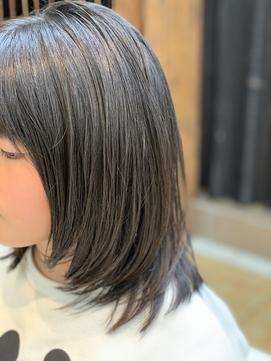 黒髪/地毛風/サラツヤストレート髪で可愛いミディアムレイヤー♪