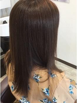 忙しい朝も楽になる髪のケアをおすすめ♪まとまりのあるナチュラルストレートでさらさらの指通りが叶う★