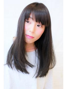 黒髪ロングスタイル