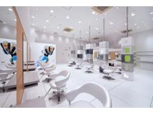白を基調とした清潔感あふれる店内☆ゆったり上質な時間を…。