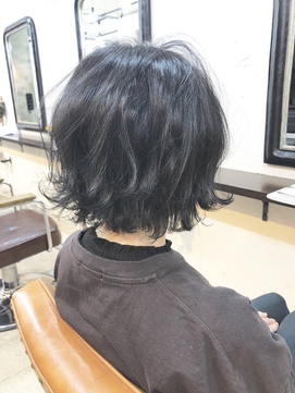 【40代からオススメ】白髪染めじゃない透明感ネイビー