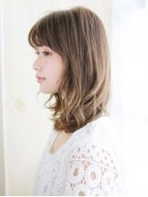 くびれスタイルのゆるミックスカール.3