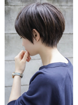【+~ing】高円寺ひし形ショート刈り上げ女子【小川 晏奈】