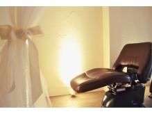 ひと部屋貸し切りの贅沢夢のシャンプー台で癒しのヘッドスパを♪