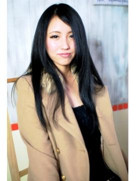 『SECIL-takatsu-』黒髪ストレートロングスタイル
