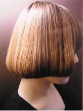 ~カット~シンプルなのに無限大。1人1人の髪質を理想のスタイルへ導いてくれる。自宅での再現性の高さも◎