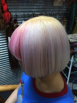 ホワイトカラー刈り上げボブインナ―ピンク&ブルーTRICKstyle!
