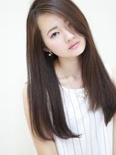 ボタニカルカラーで乾燥によるダメージを抑え、毛先まで潤いに満ちた美しい髪色を実現♪THROWカラーも導入!