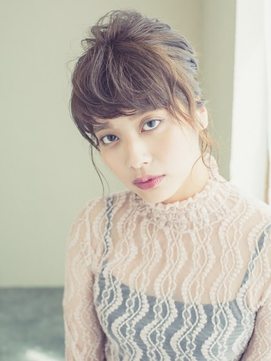 大人フェミニンまとめ髪アップスタイル   町田/JR町田駅