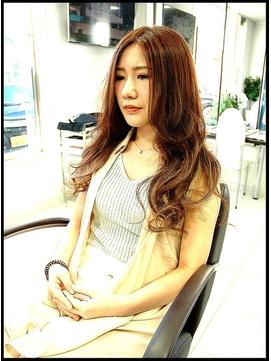 姉Ageha専属モデル・小原優花のブリーチなしでの髪色
