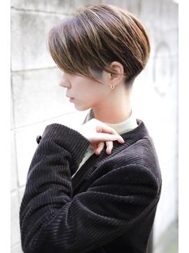 【+~ing  deux】 ひし形ショート刈り上げ女子【辻口俊】