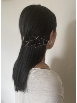 シンプル仕上げのヘアアレンジ