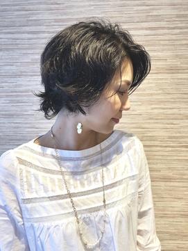 【feliette】黒髪ショートに抜け感パーマ
