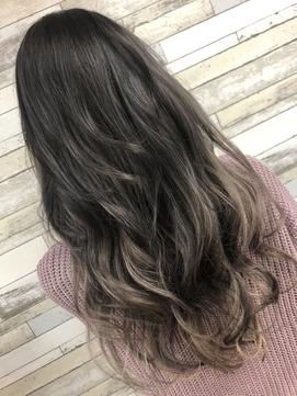【hair lounge viviana】シルバーカラーアッシュグラデーション