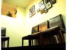 入り口付近の待合席です♪【期間限定☆】縮毛矯正+カット¥6000