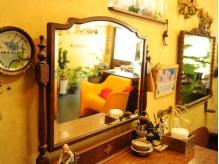 アンティークな家具を中心なミクスチャーなインテリア・・・
