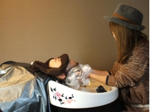 半個室のシャンプーブースで癒しのひと時を…。初めてオーガニックヘアケアを試してみたい方にオススメ♪