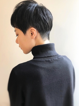 [高田馬場新宿池袋]大人クールな黒髪刈り上げベリーショート