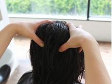 【カット+ヘッドスパ¥5292】ホホバオイル配合のローション使用♪ハリと潤いに満ちた頭皮と美髪へ導きます。