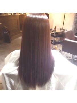 【DUCHESS】梅雨時期に◎、カラー毛でも矯正で快適に。