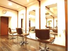 【カット+カラー+トリートメント¥9072】気になる髪の悩みが、通うたびにキレイになっていくのを実感!